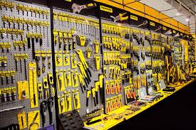 """Истории на успеха…Лидерът на пазара на професионални и хоби електро- и механични инструменти в България """"Евромастер Импорт- Експорт"""" управлява богато портфолио от собствени марки с помощта на ERP решението  Microsoft Dynamics AX"""